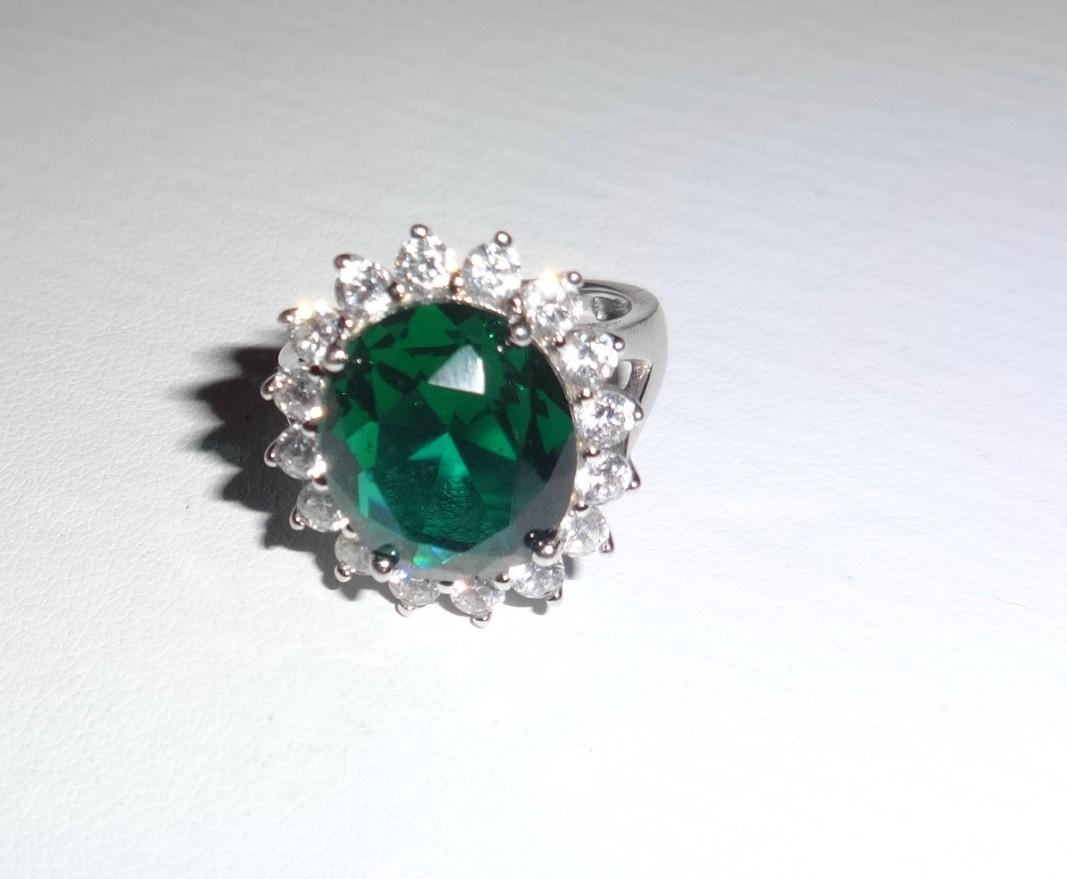 Очень шикарное кольцо