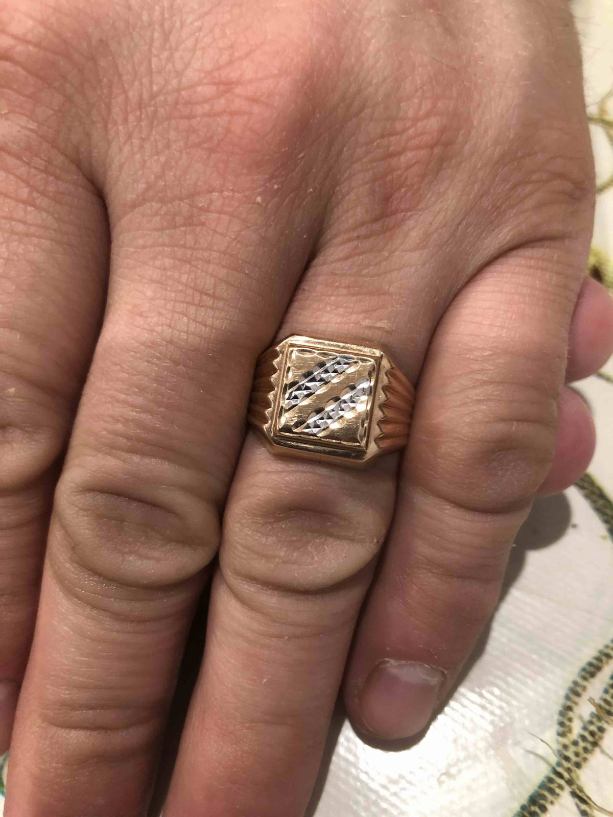 Богатый перстень