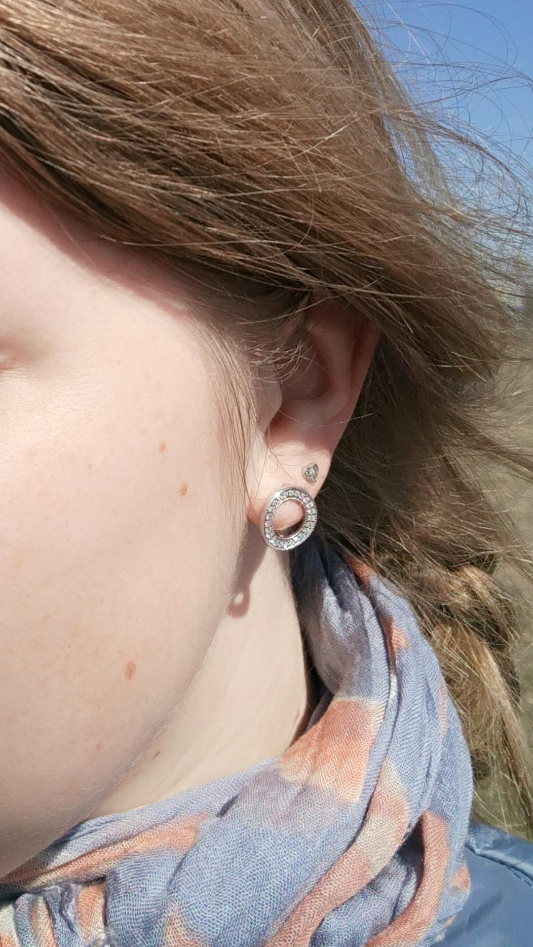 Стильные серебряные серьги