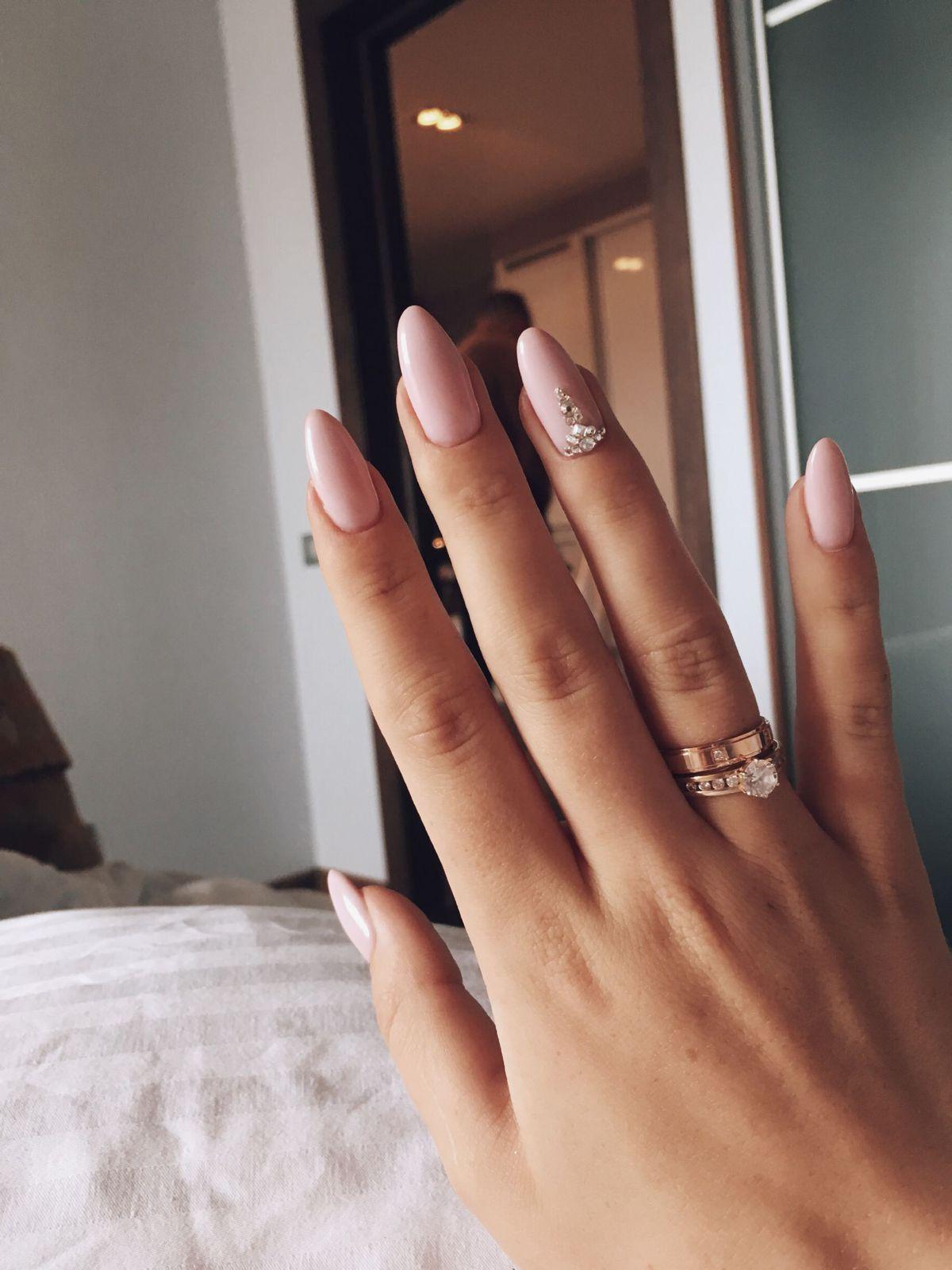 Помолвичное кольцо