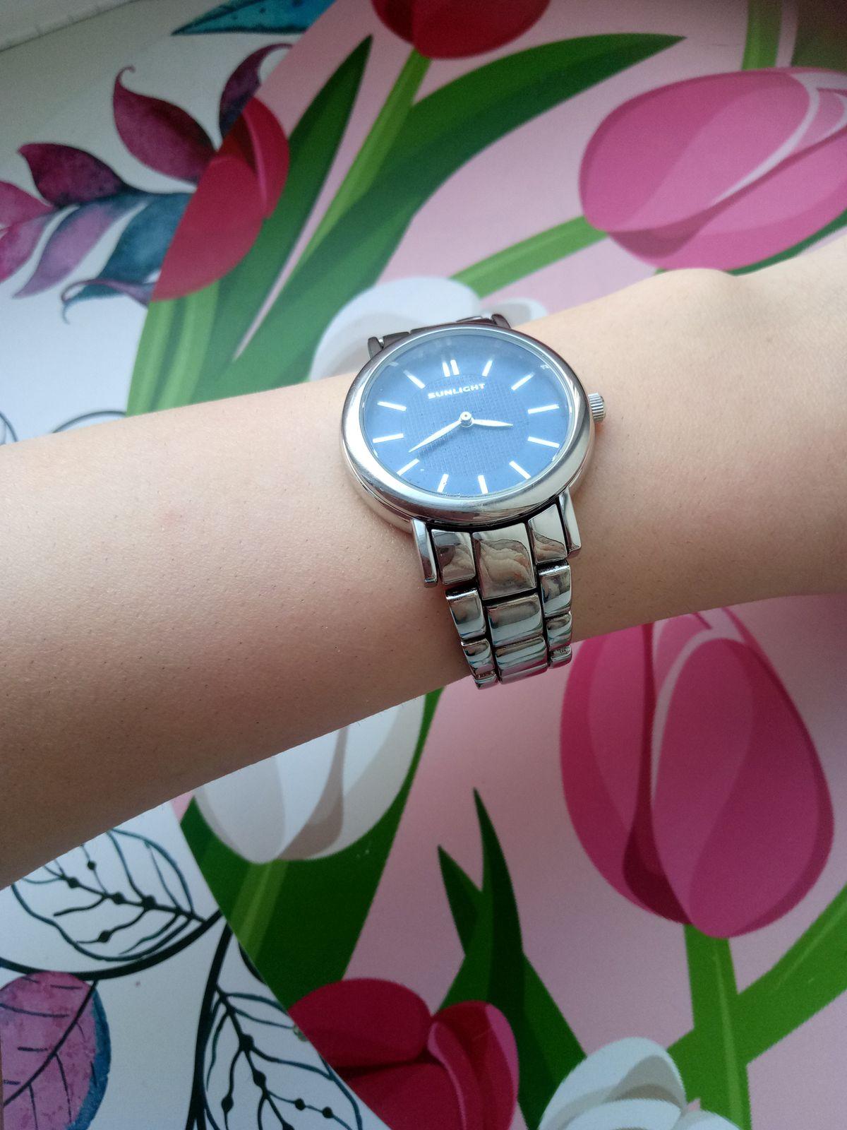 Замечательные нежные  часы