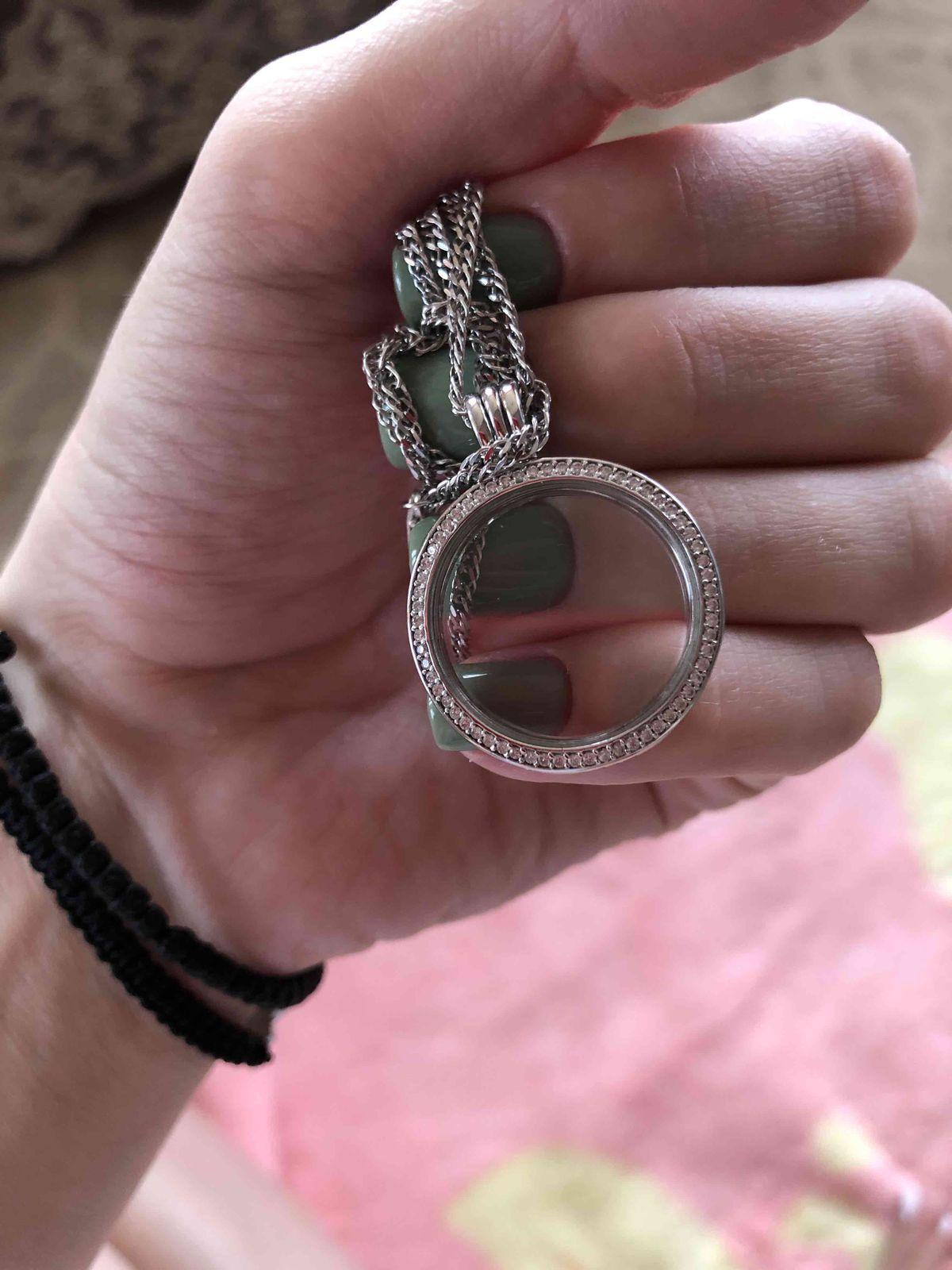 Медальон со стеклом