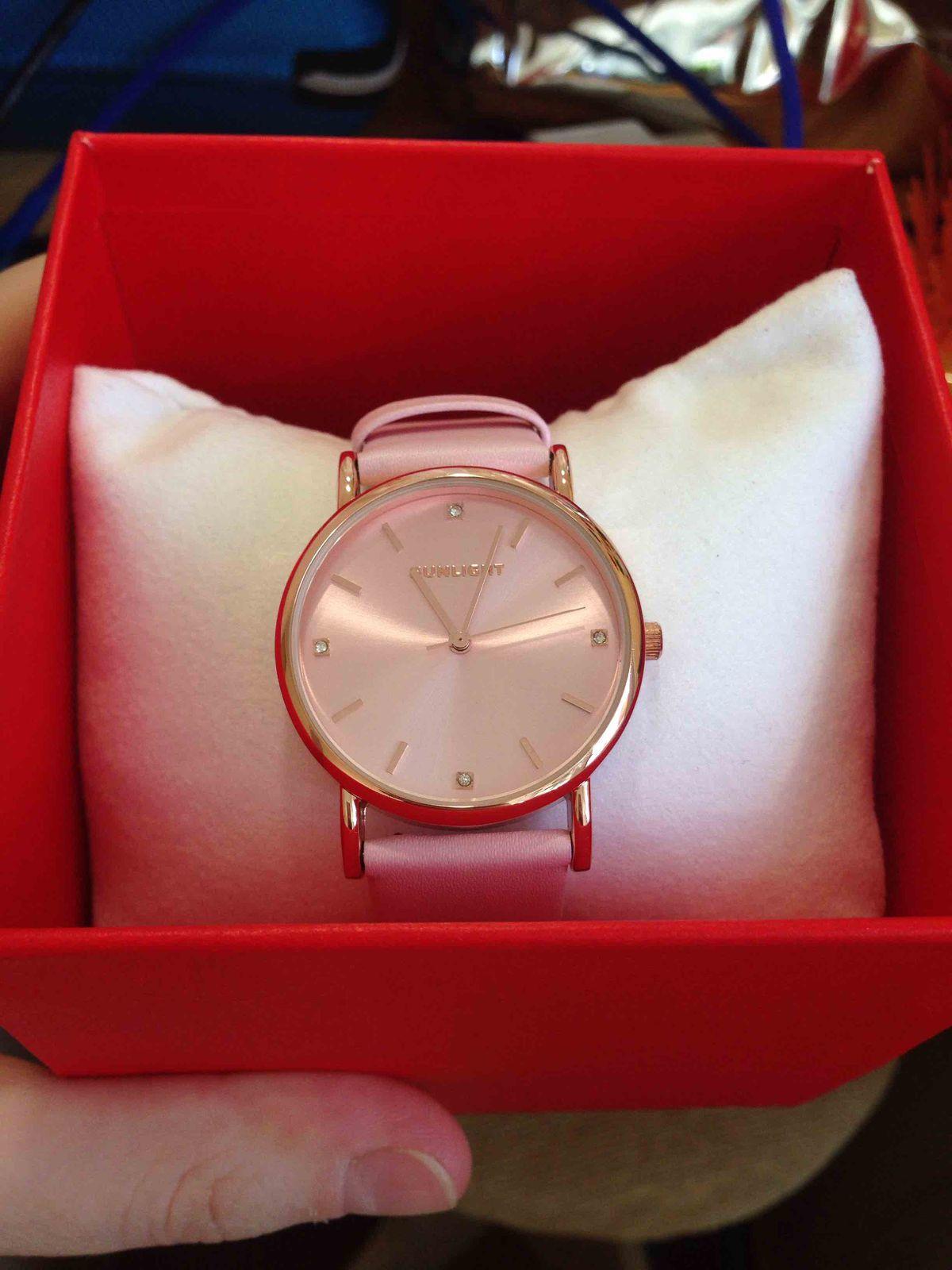 Красивые минималистичные тонкие часы