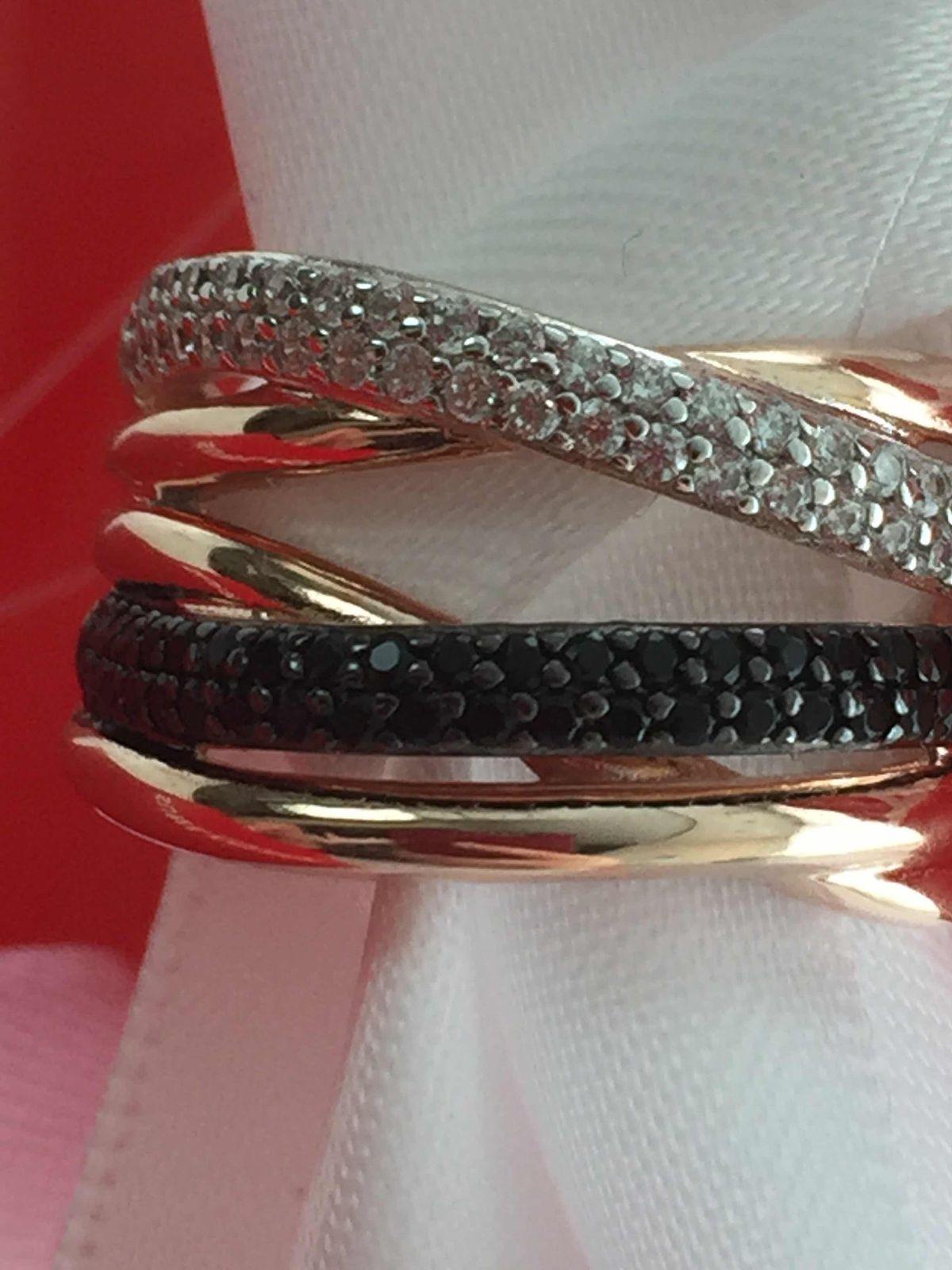 Красивое кольцо с фианитами!