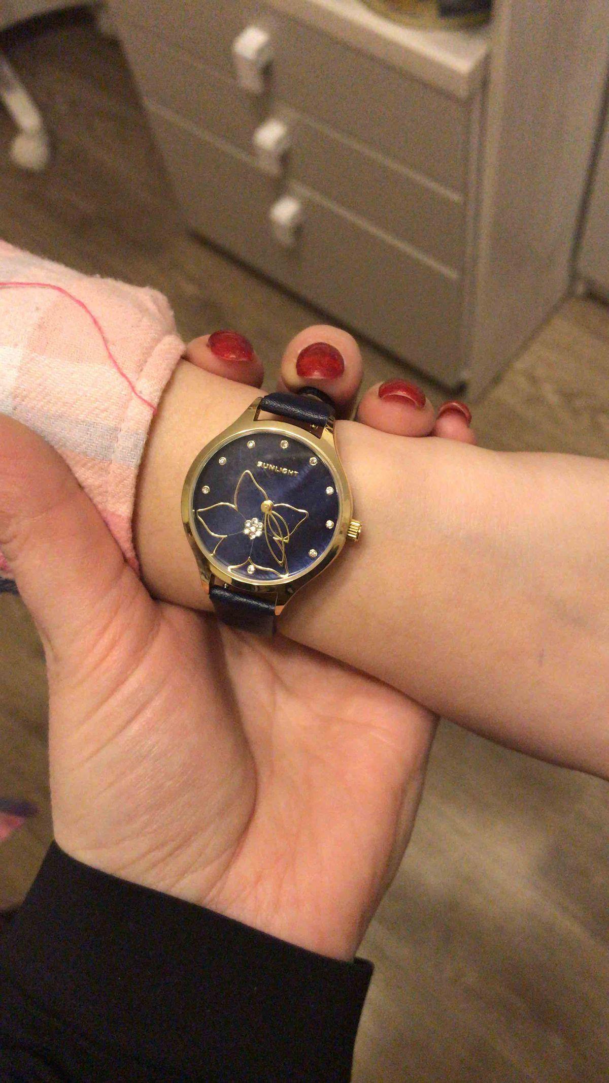 Отличные часы для девочек и молодых девушек