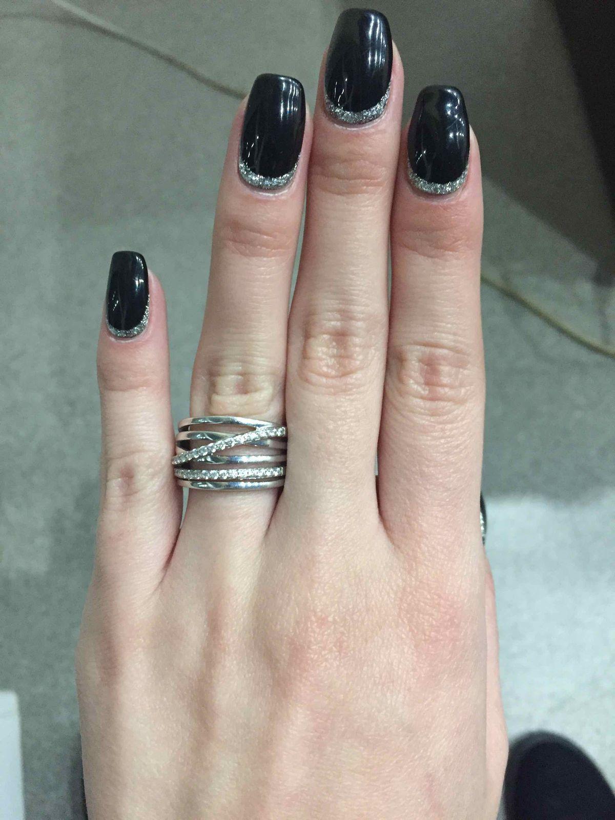 Замечательное кольцо, осталась в восторге от приобретения. Спасибо магазину