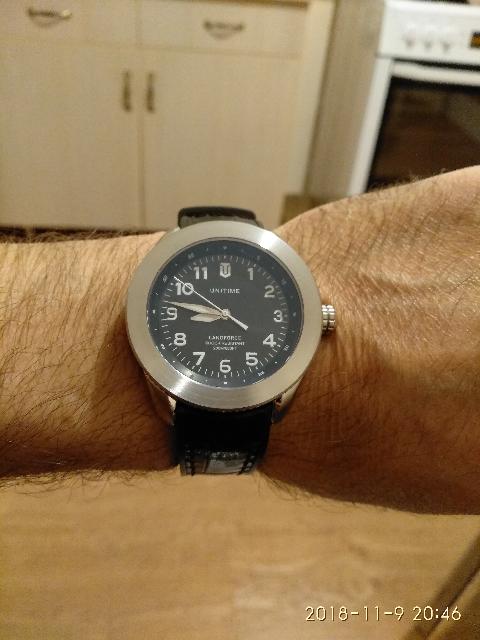 Часы брал себе в подарок.