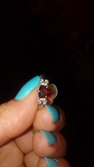 Прекрасное кольцо с гранатом.
