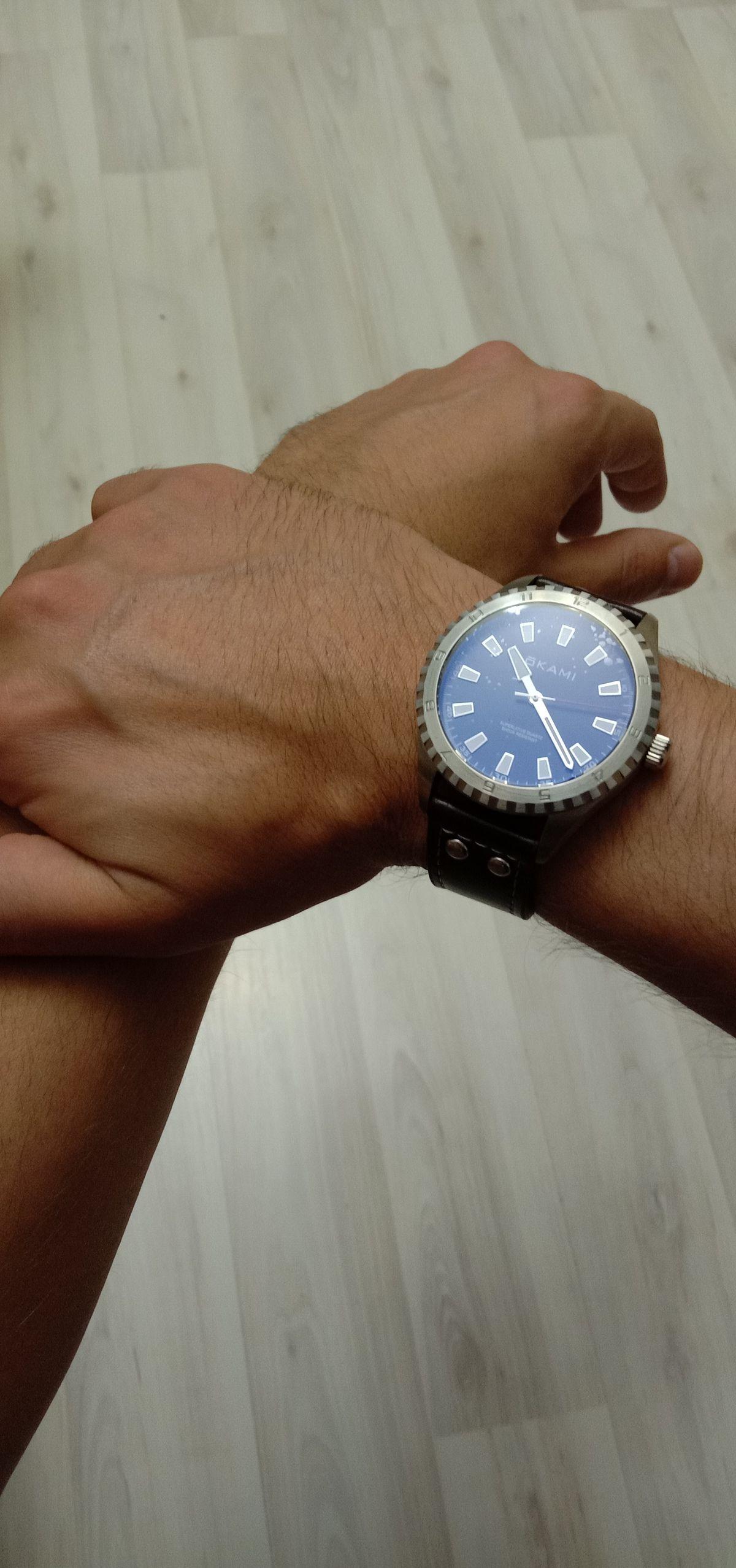Стильные, мужские часы)))