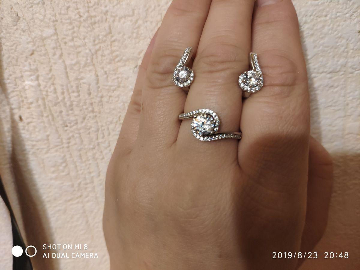 Серебряные серьги с феонитами