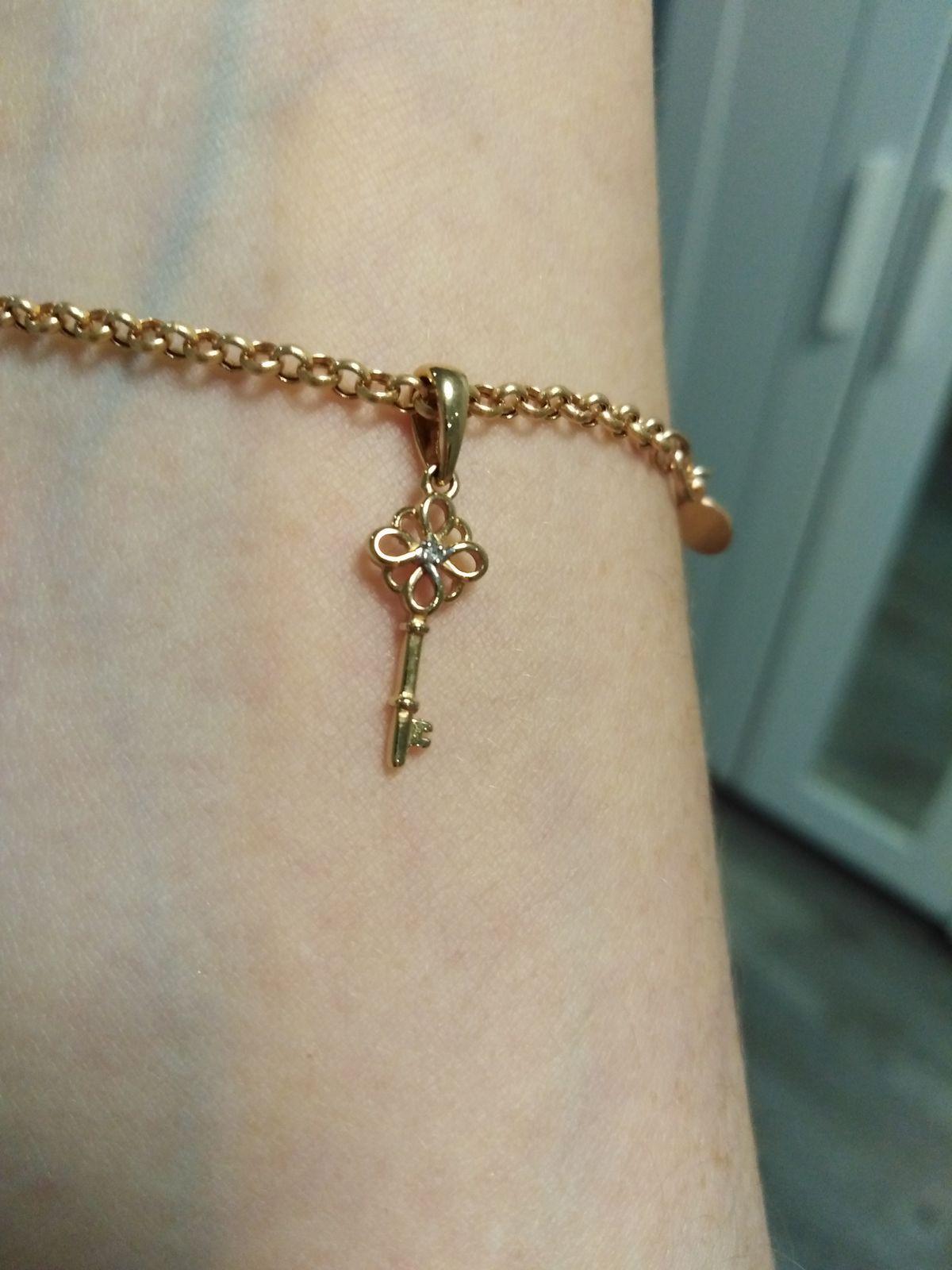 Золотой ключик с бриллиантом по акции. Почти даром!
