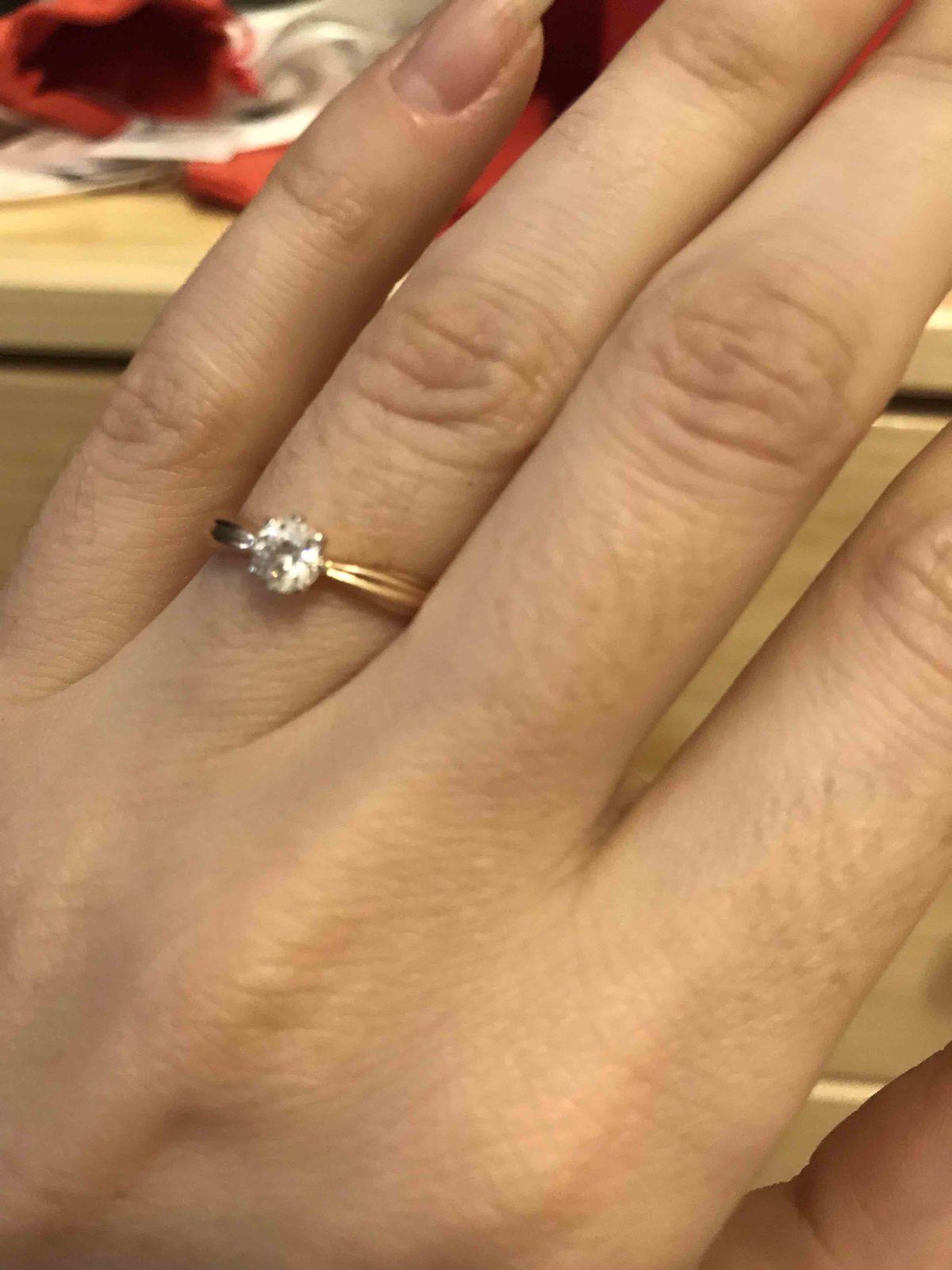 Нежное кольцо с фианитом