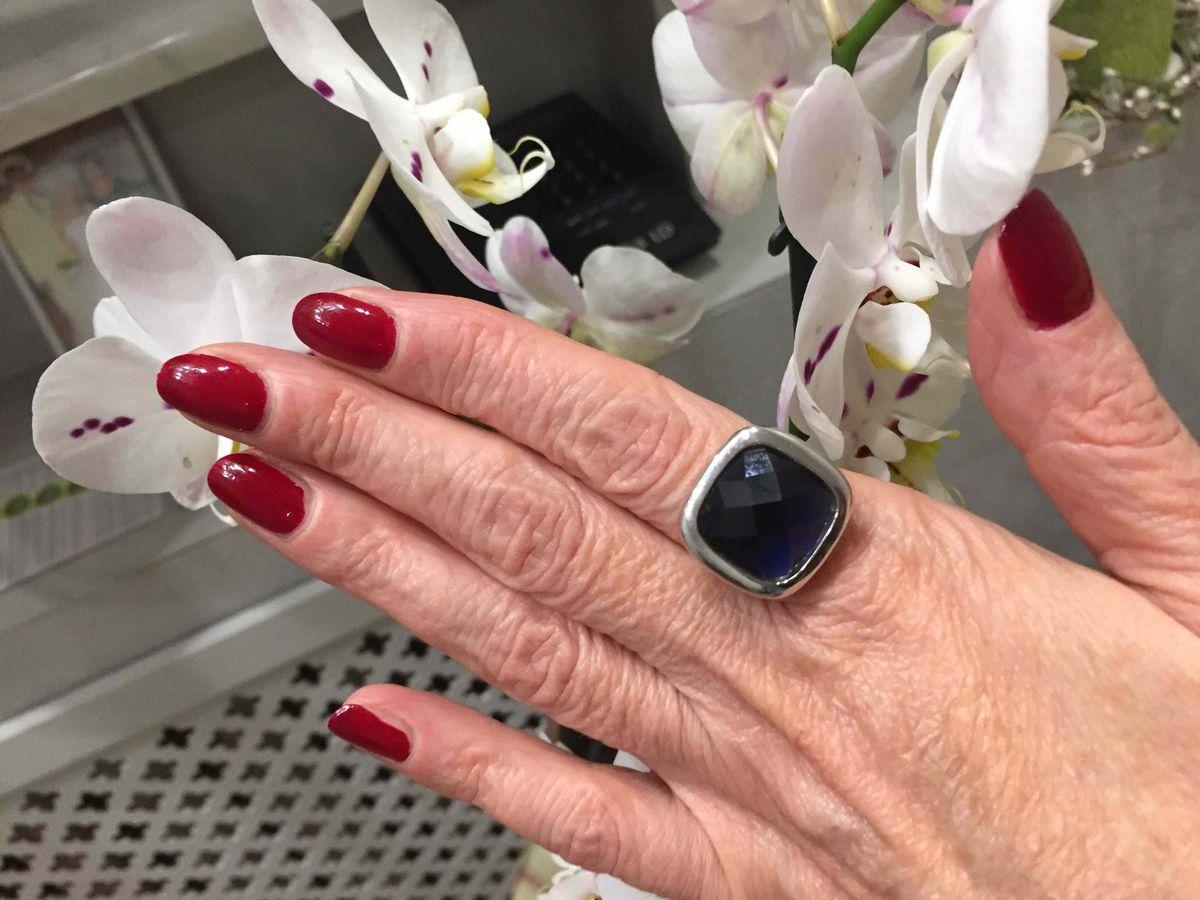 Очень стильное кольцо. купила для себя, ношу с удовольствием. с джинсами и