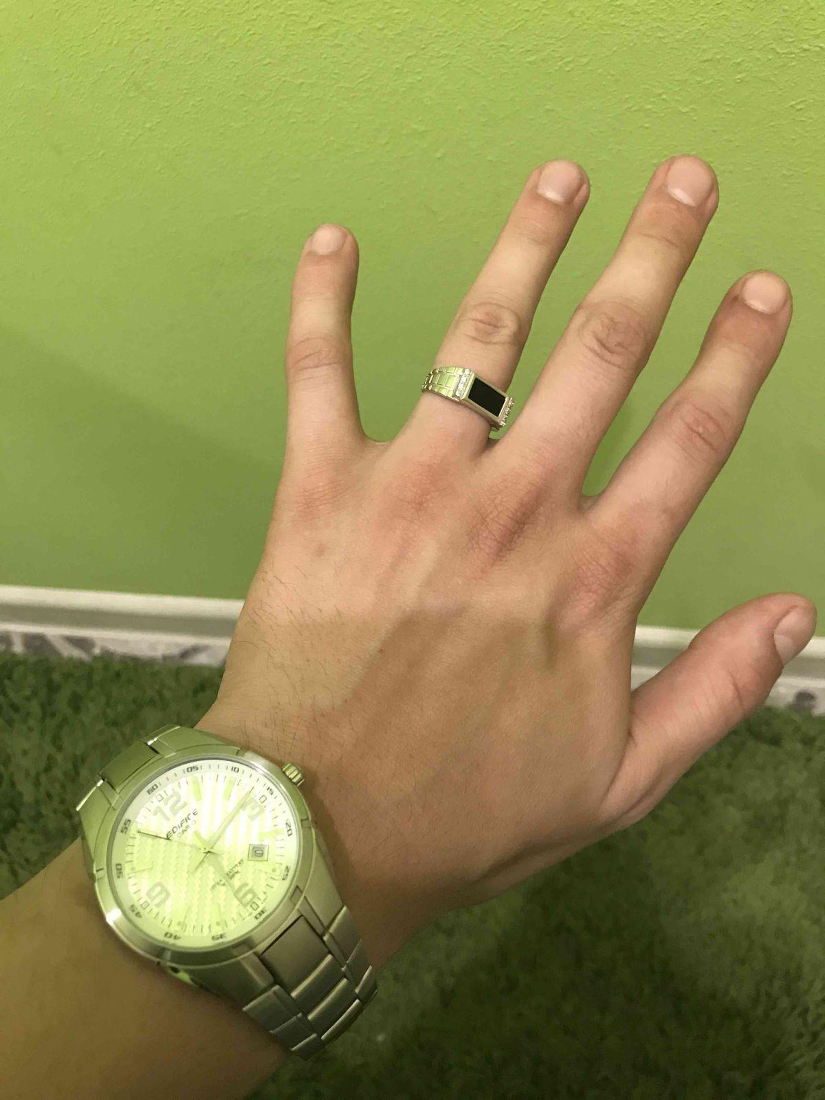 Отличное кольцо, смотрится шикарно