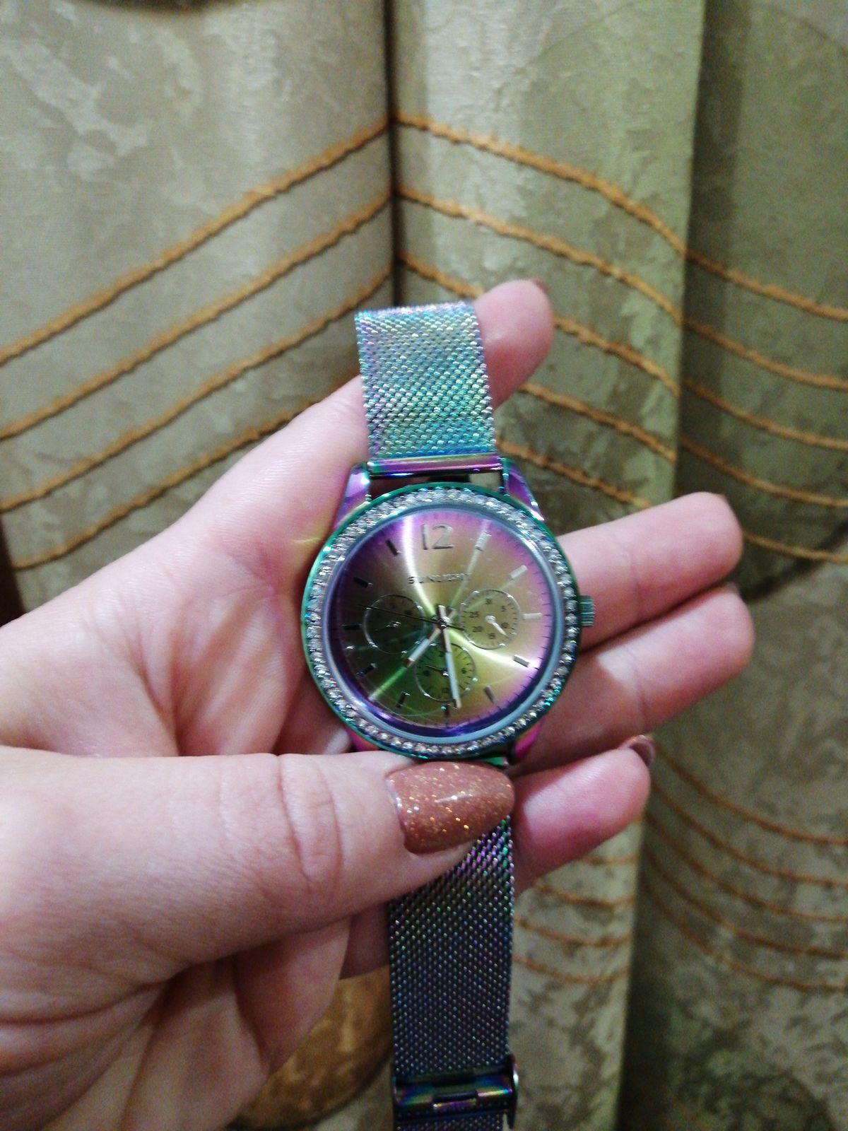 Часы для стильных и любящих нестандартные вещи!!!