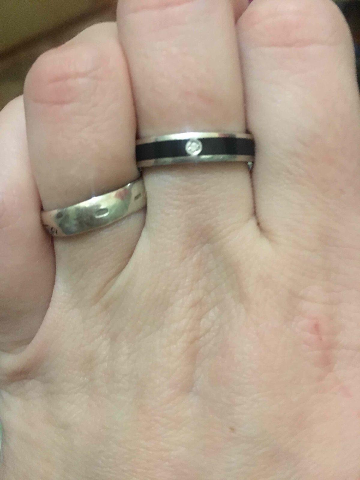 Очень красивое и удобное кольцо , всем советую