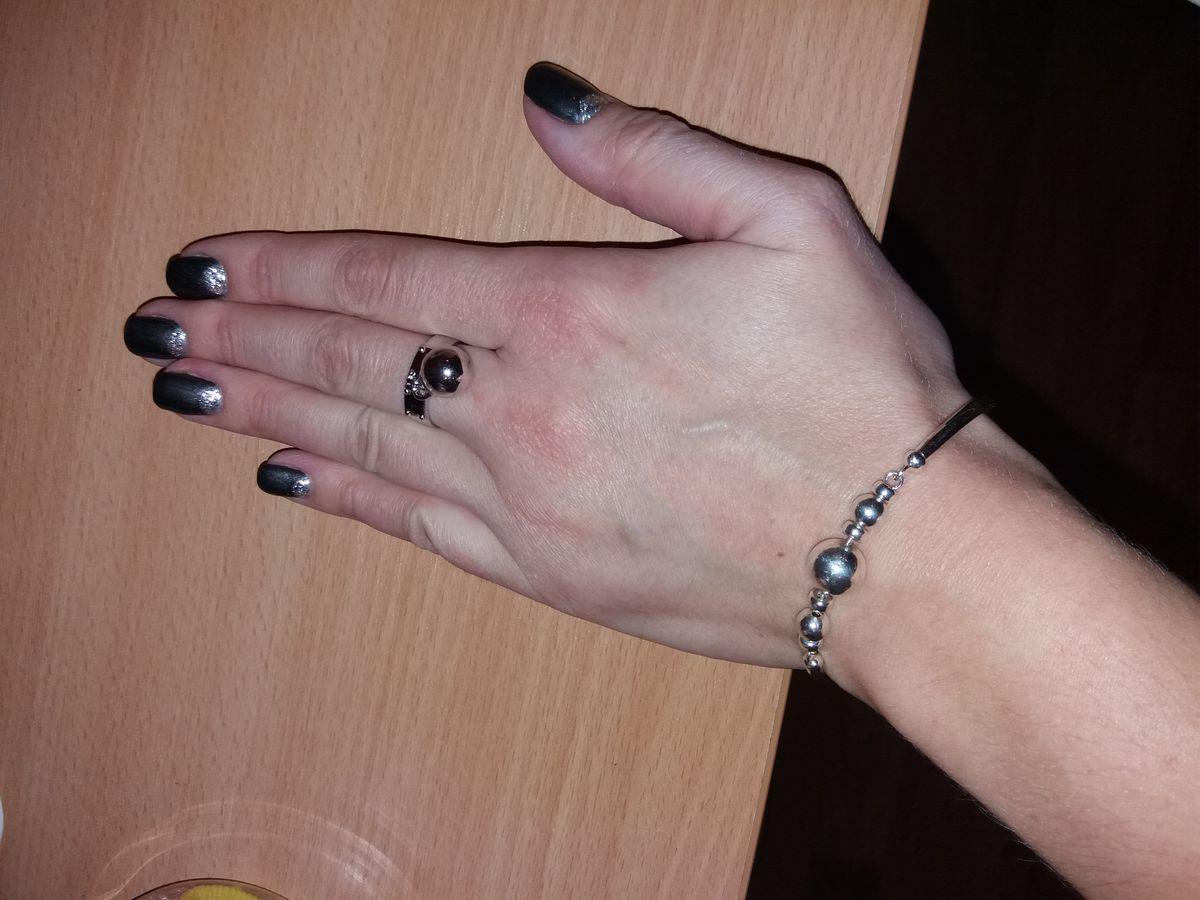 Приобрела кольцо в магазине, когда его на сайте даже не было)))