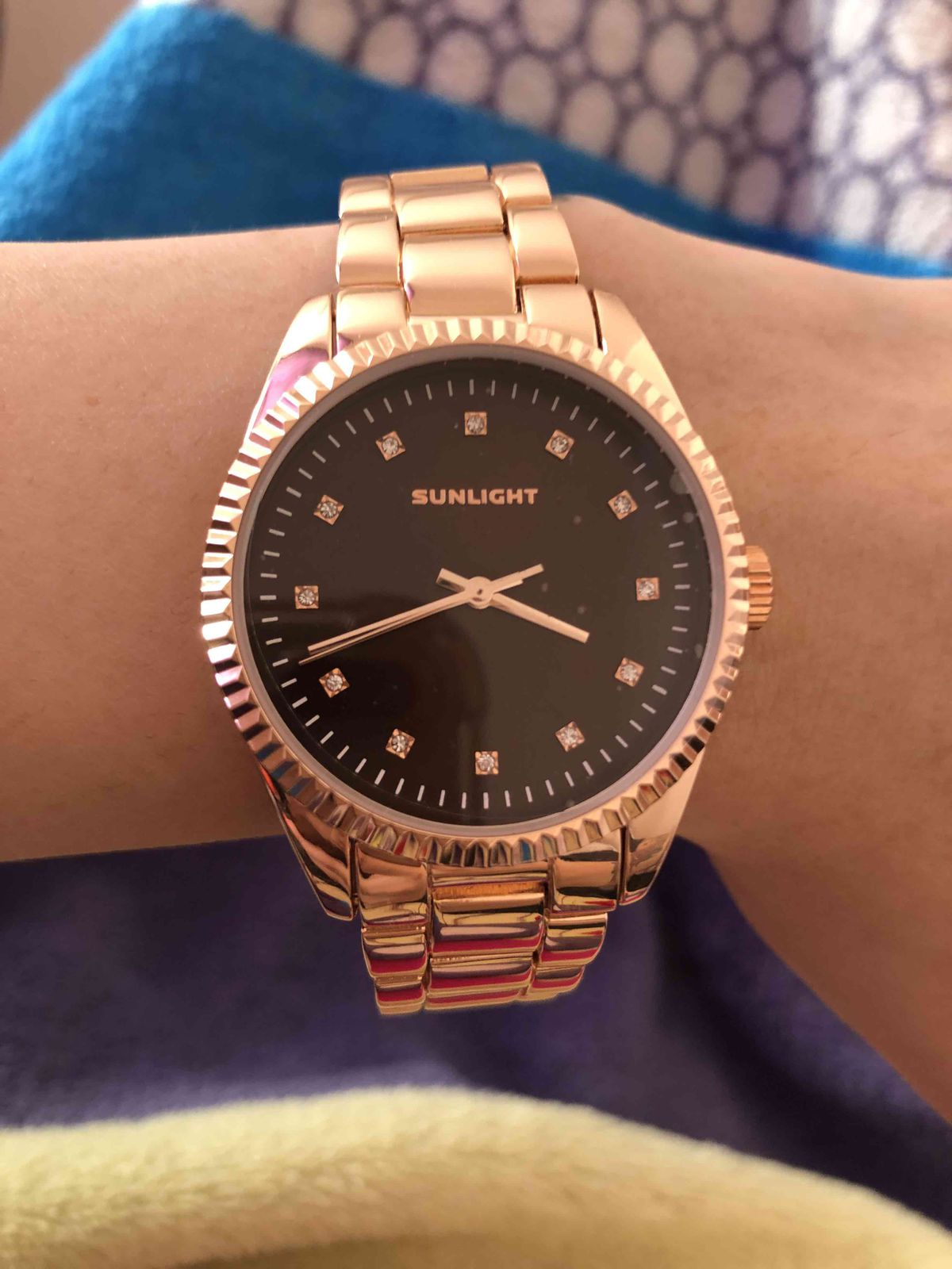 Очень красивые часы, всем рекомендую👍👍😻