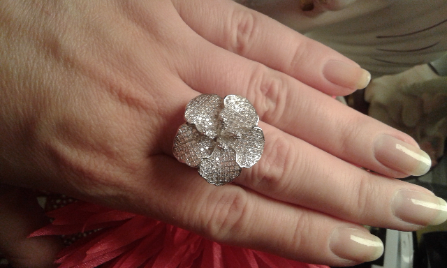 Кольцо в виде цветка - хит продаж!