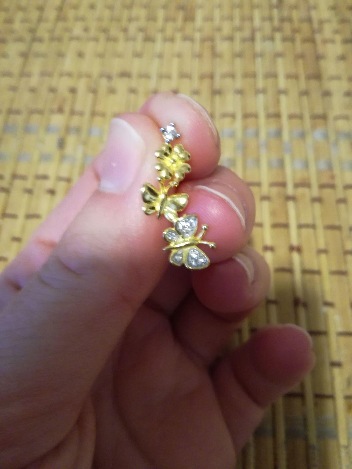 Нежные бабочки на ушках