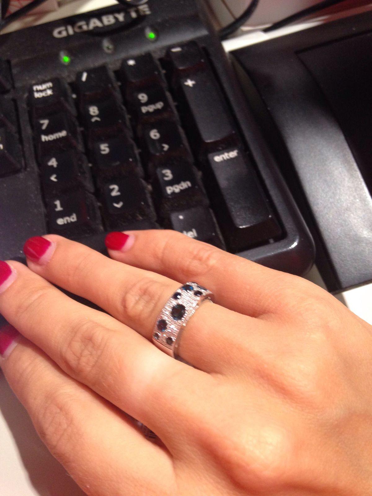 Кольцо с топазами, сапфирами и бриллиантами