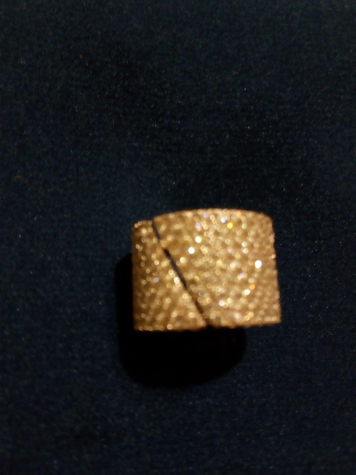 Широкое кольцо с фианитами