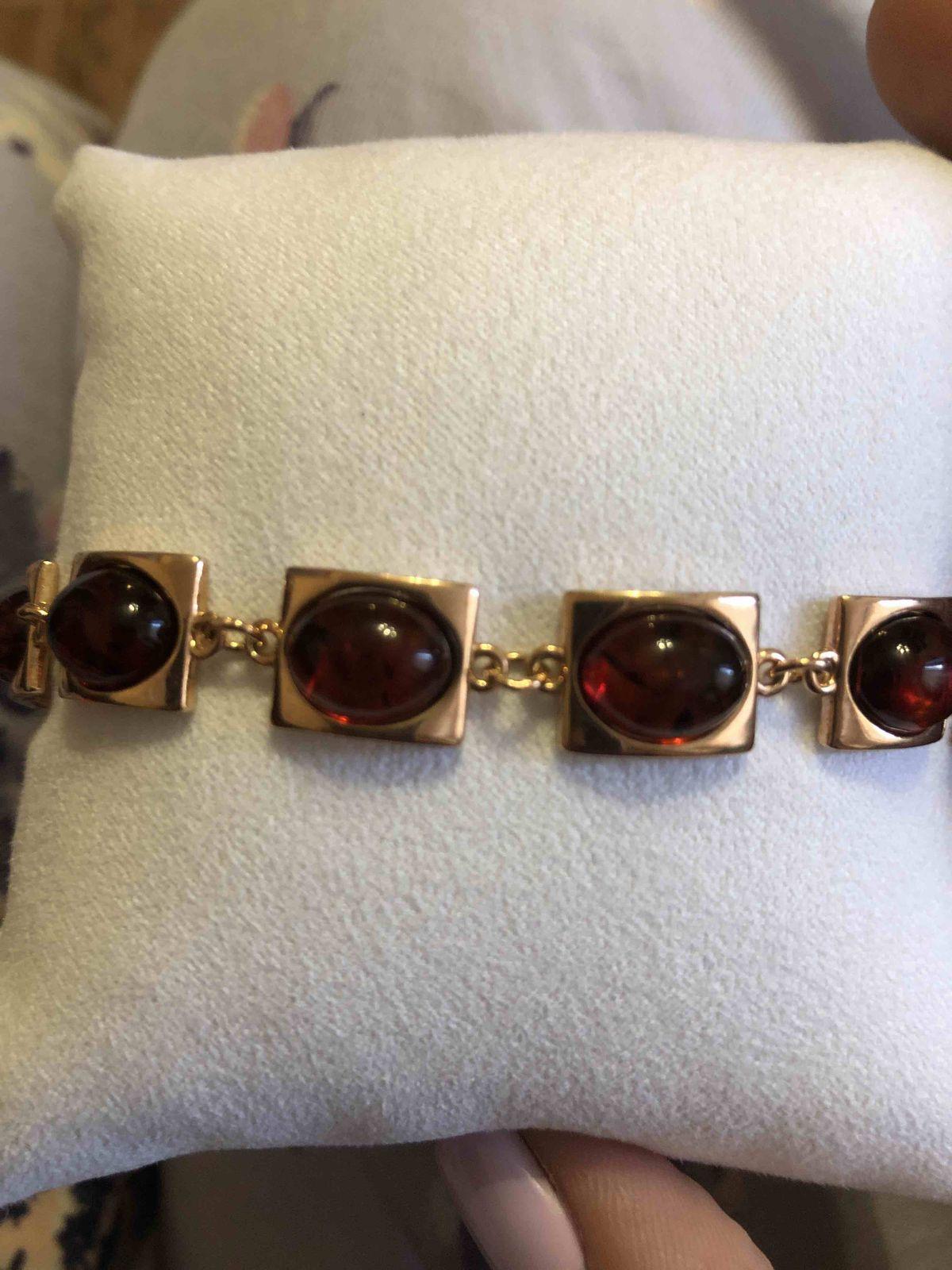 Шикарный браслет с янтарем