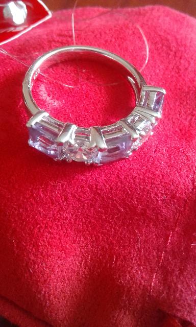 Кольцо  с сияющие артистом.
