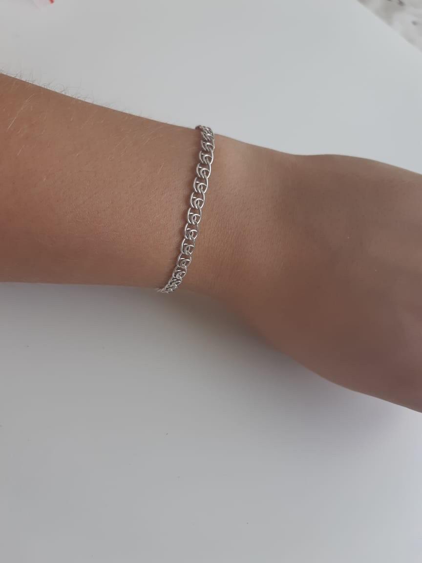 Нежный браслет из серебра