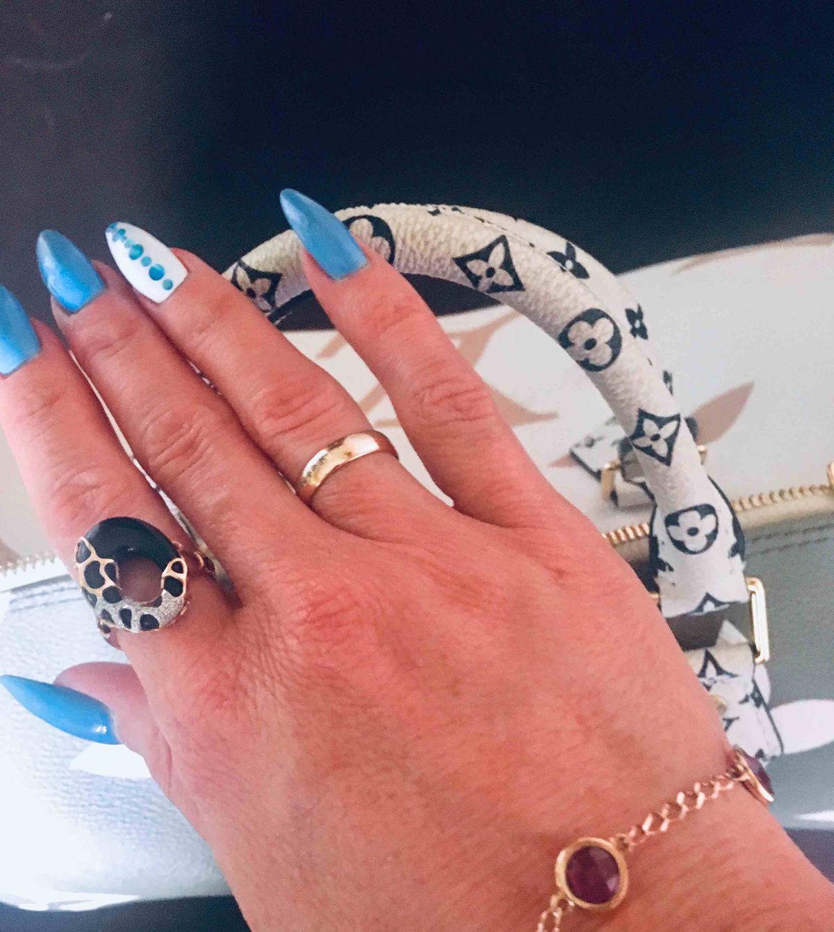 Кольцо с ониксом и бриллиантами