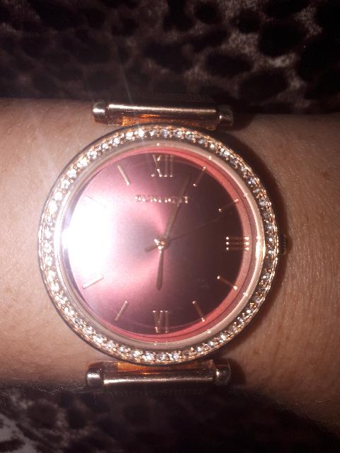 Давно хотела такие часы.