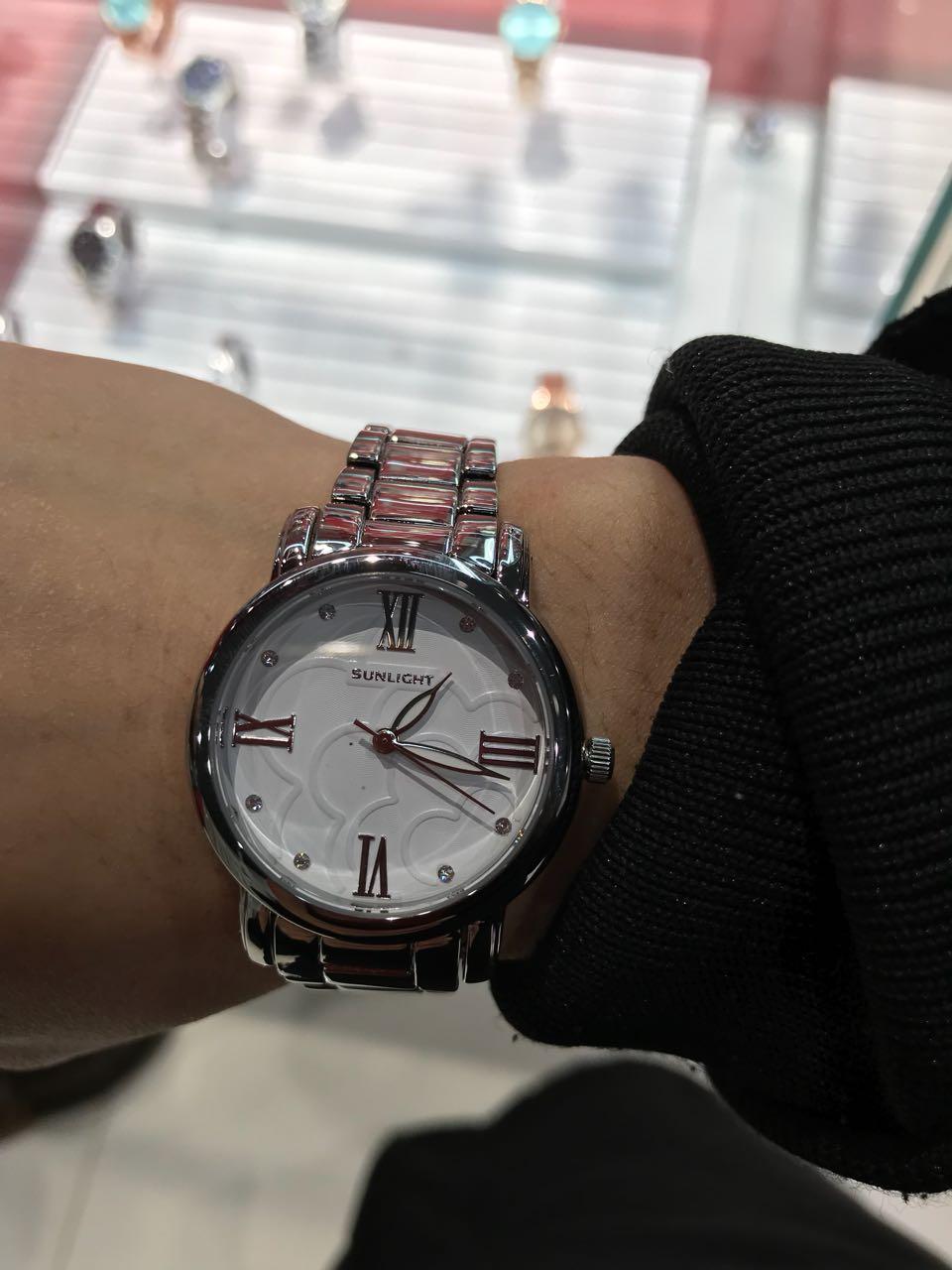 Супер очень стильные часы