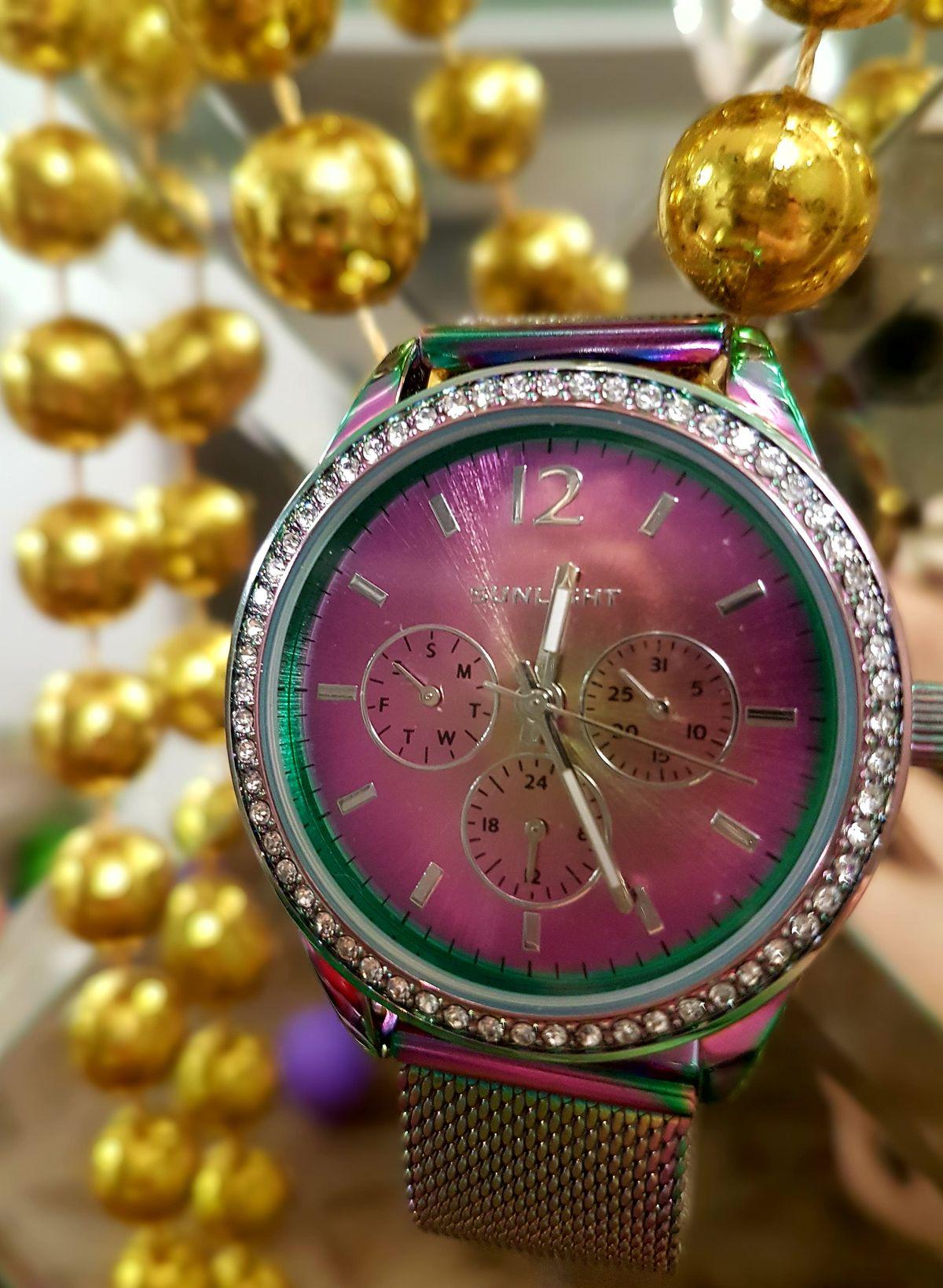 Волшебные часы!!!!