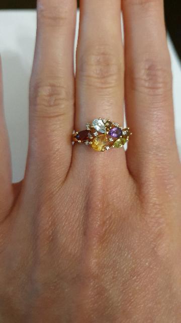 Интересное, яркое кольцо