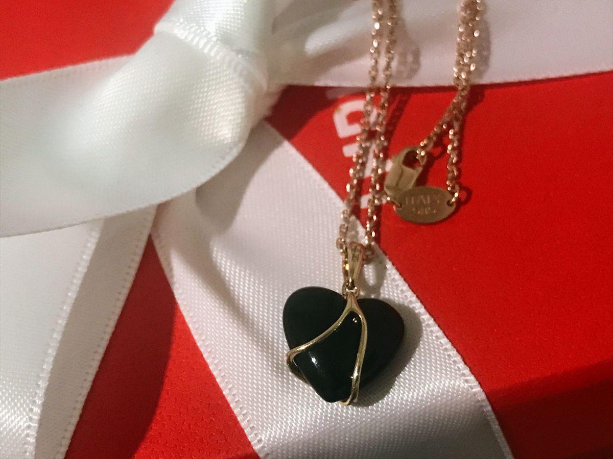 Нежное черное сердце