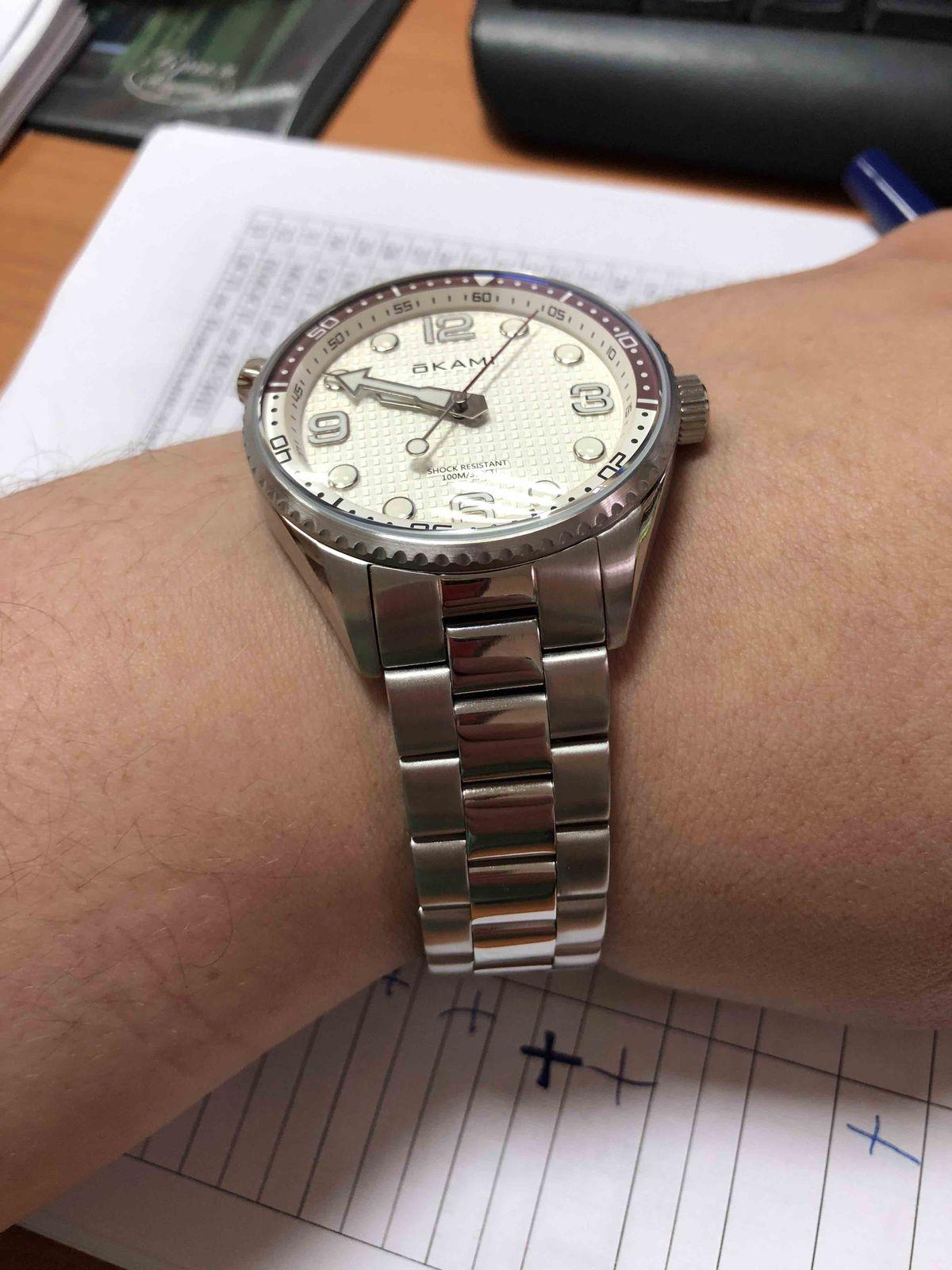 Классные часы, супер магазин)