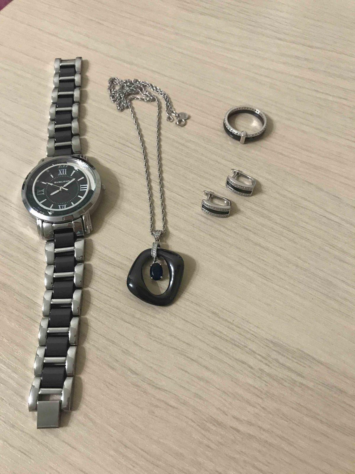 Прекрасное сочетание серебра и черной керамики