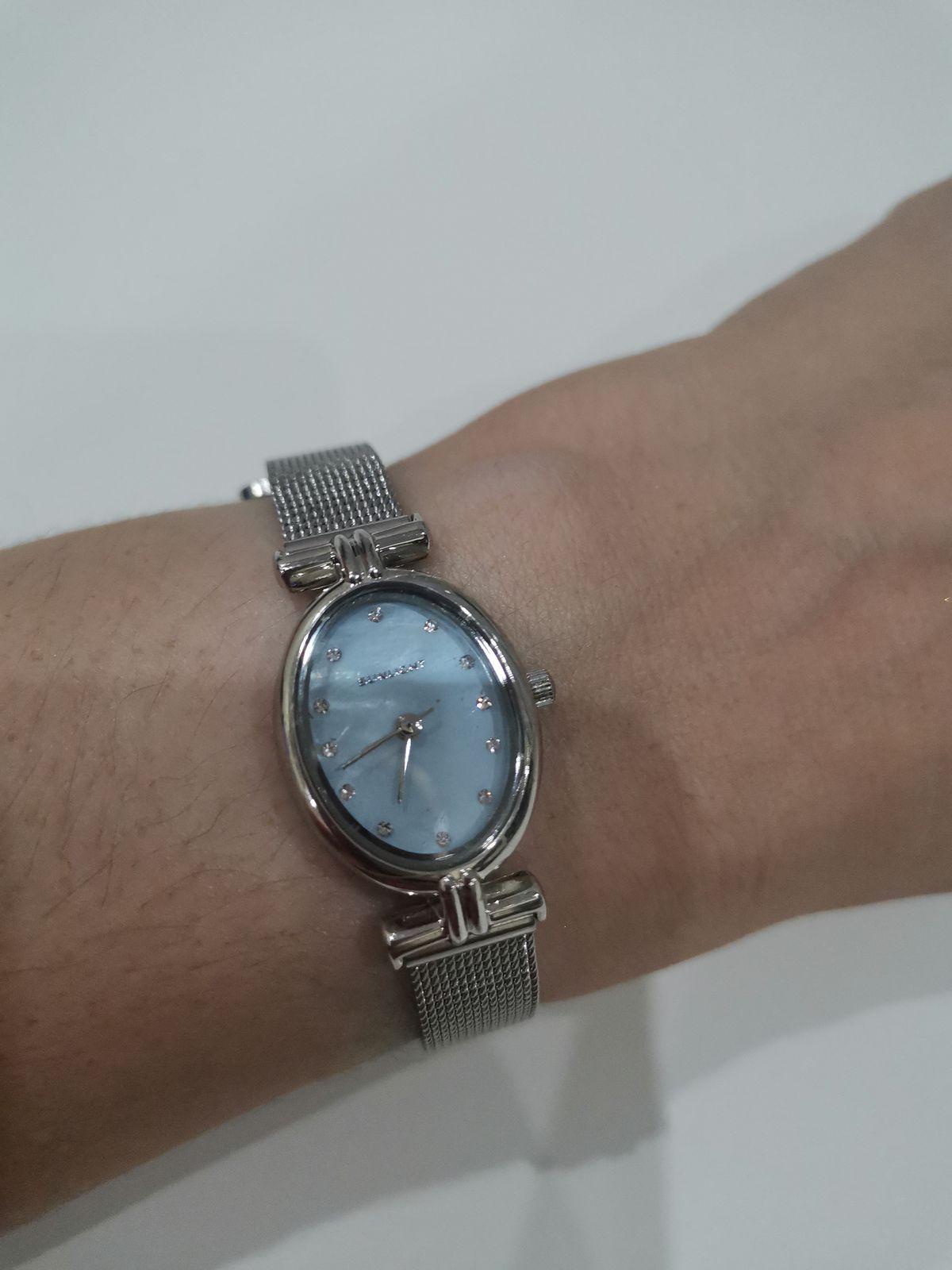 Очень замечательные часы.