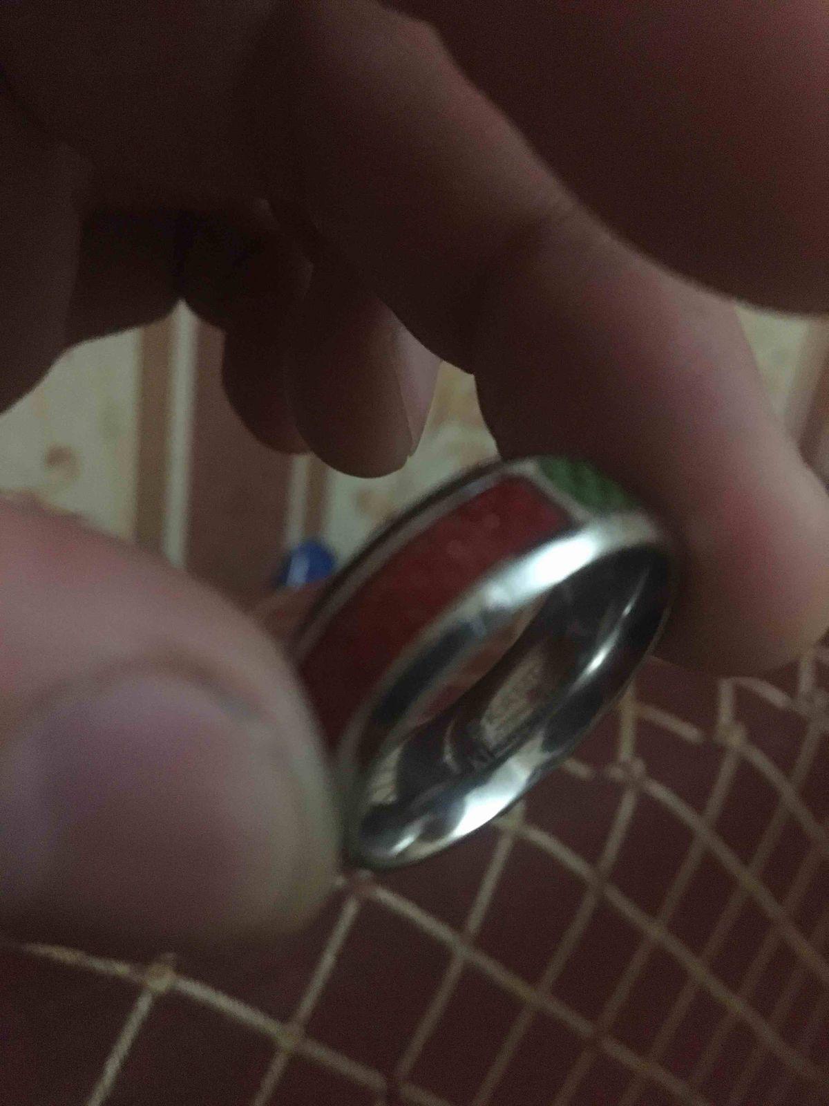 Очен красивий колцо