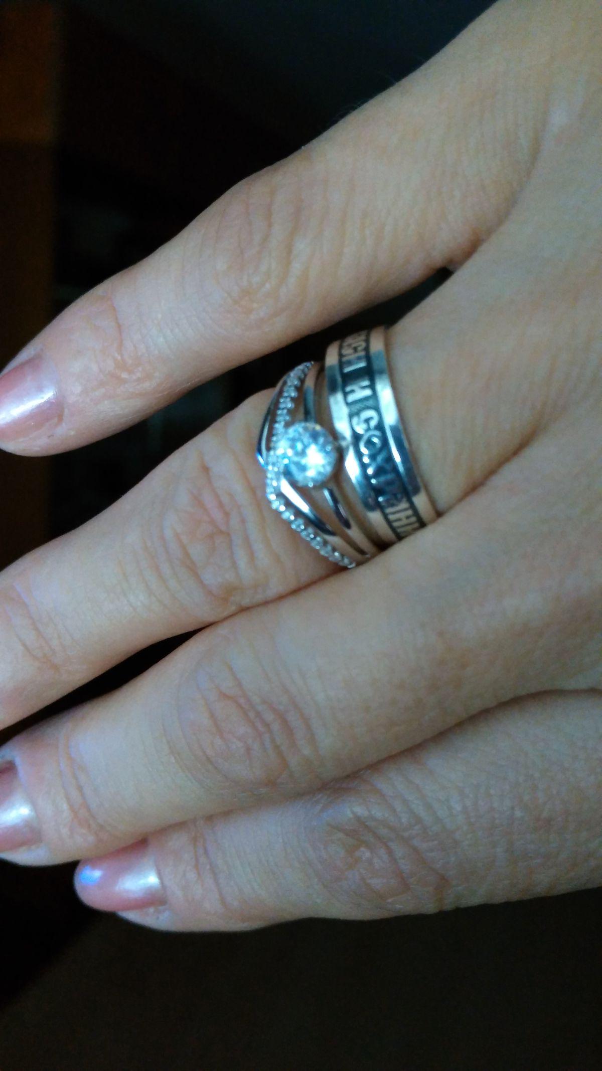 Колечко серебро родированое, с фионитами