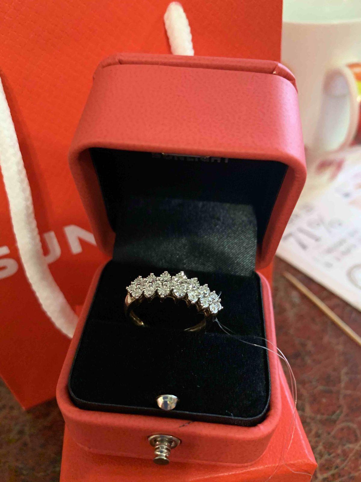 Кольцо для королевы! с 22 бриллиантами!