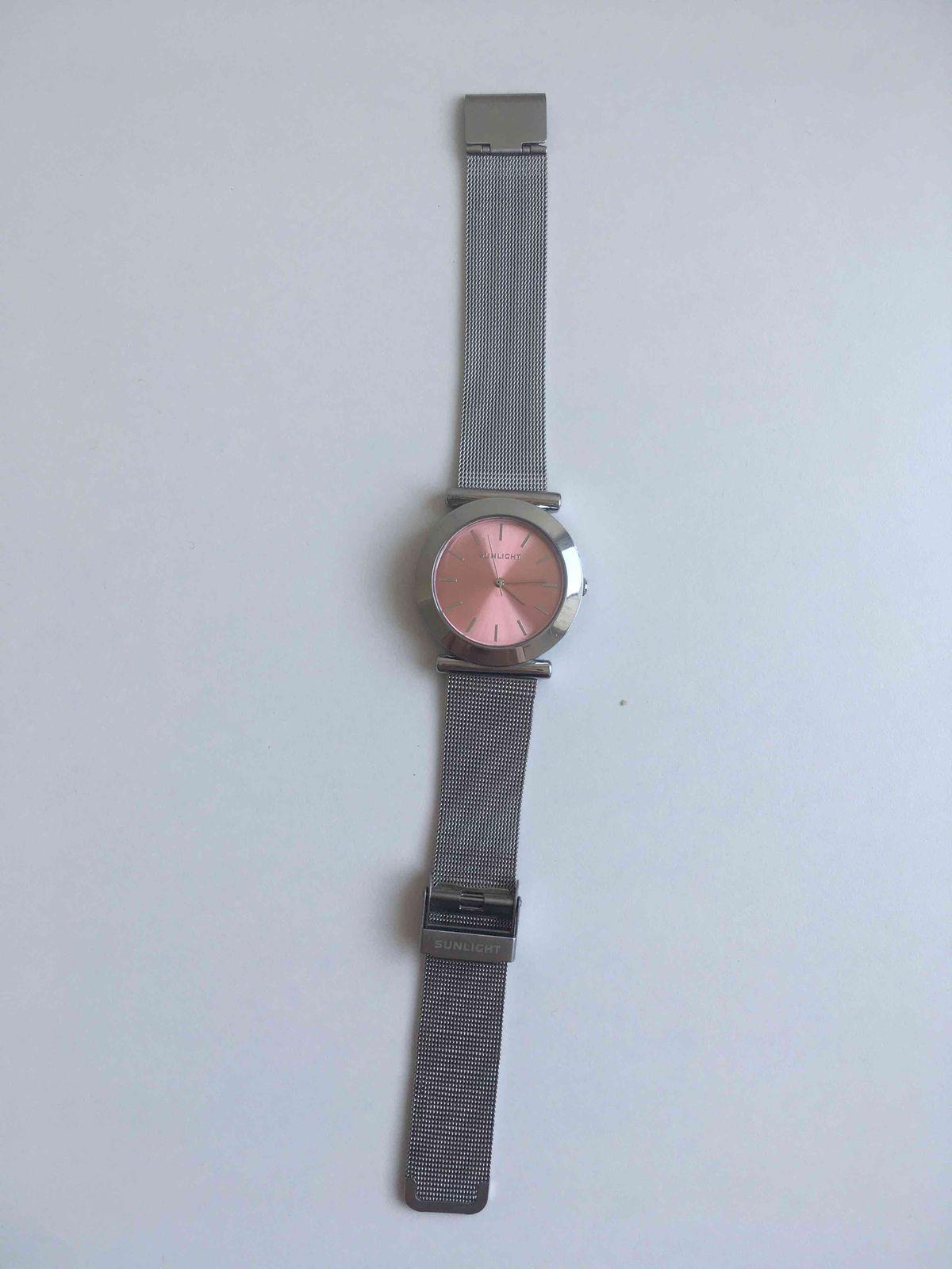 Прекрасные часы с очень женственным внешним видом