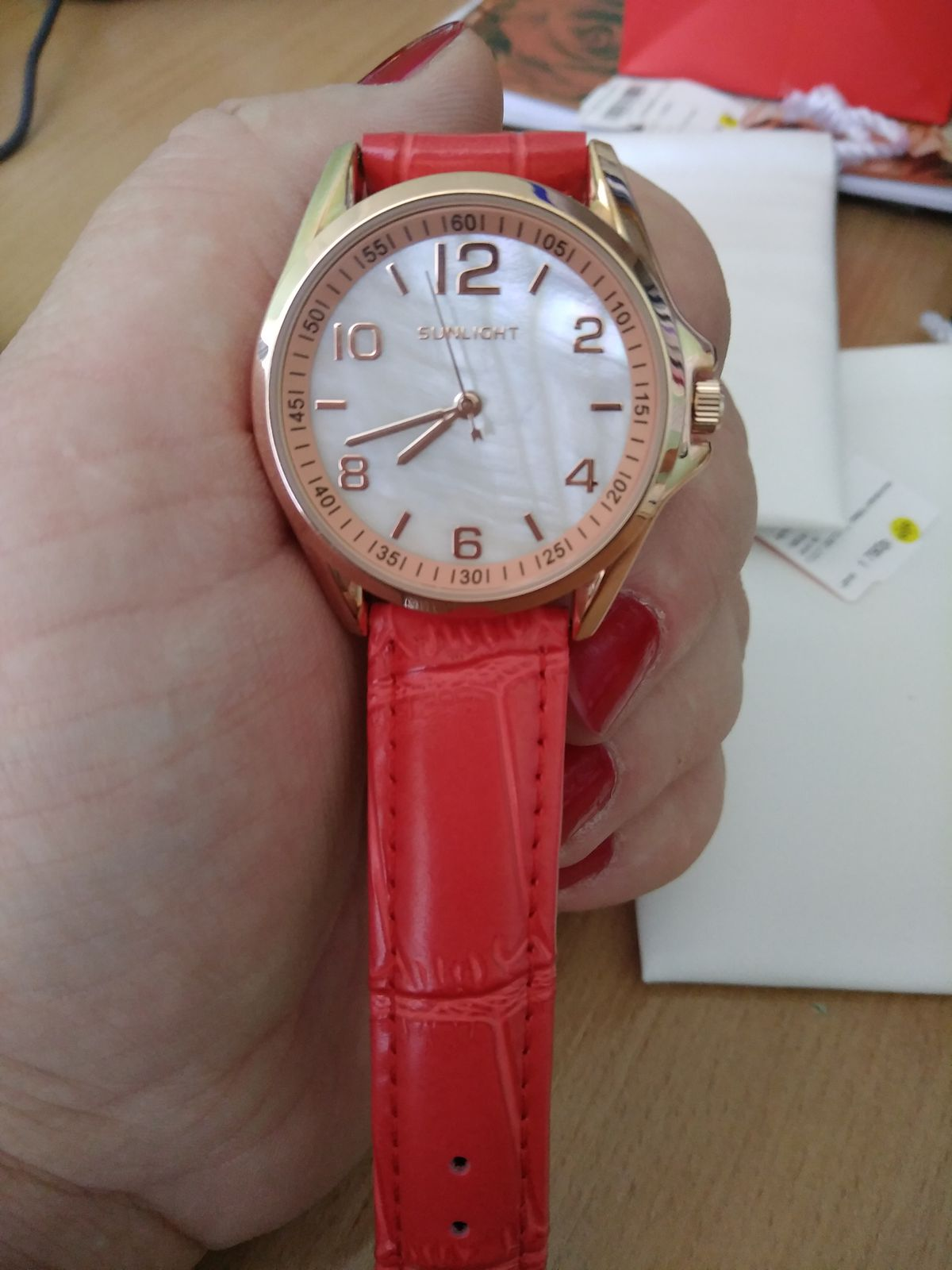 Очень хотелось найти часы такого цвета! спасибо, sunlight!!!