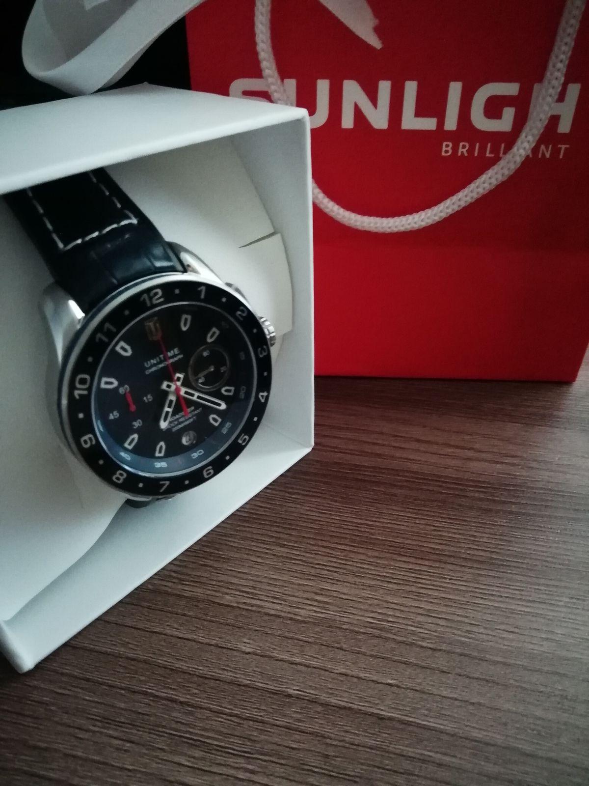 Стильные, красивые часы