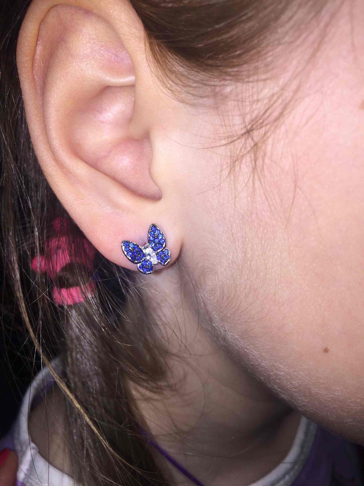 Синие сверкающие бабочки