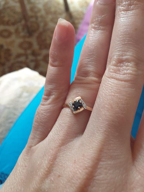 Кольцо в строгом стиле.