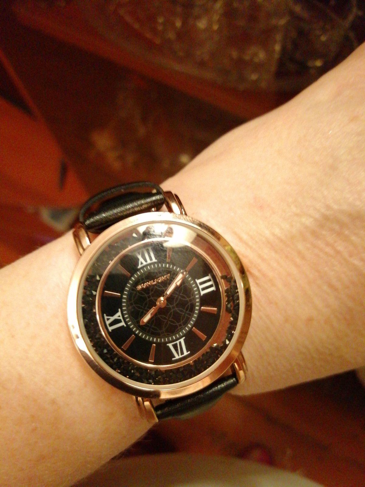 Часы меня очаровали.
