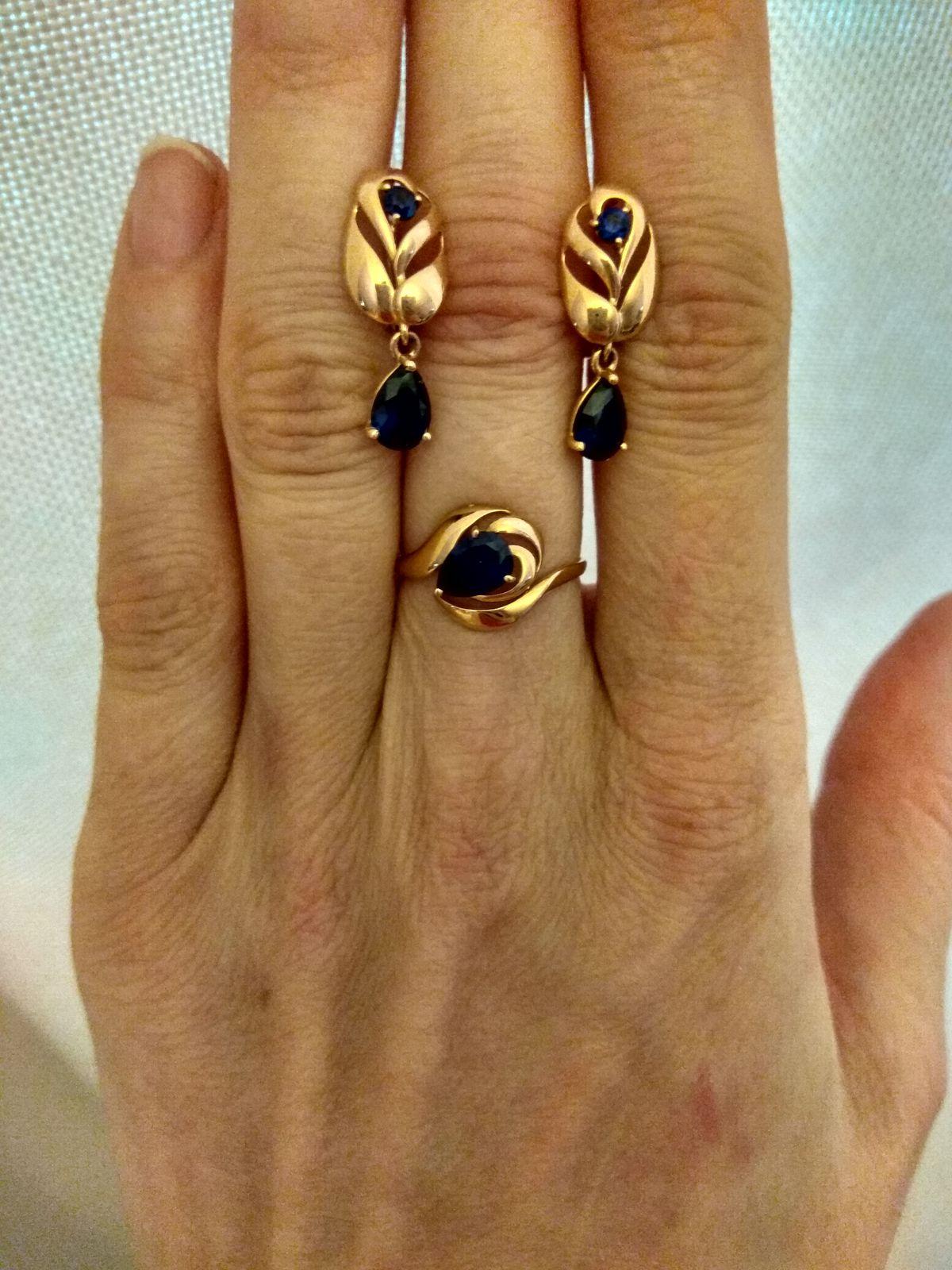 Кольцо с ярко-синим корундом