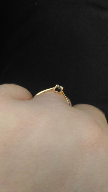 Кольцо с брюликом