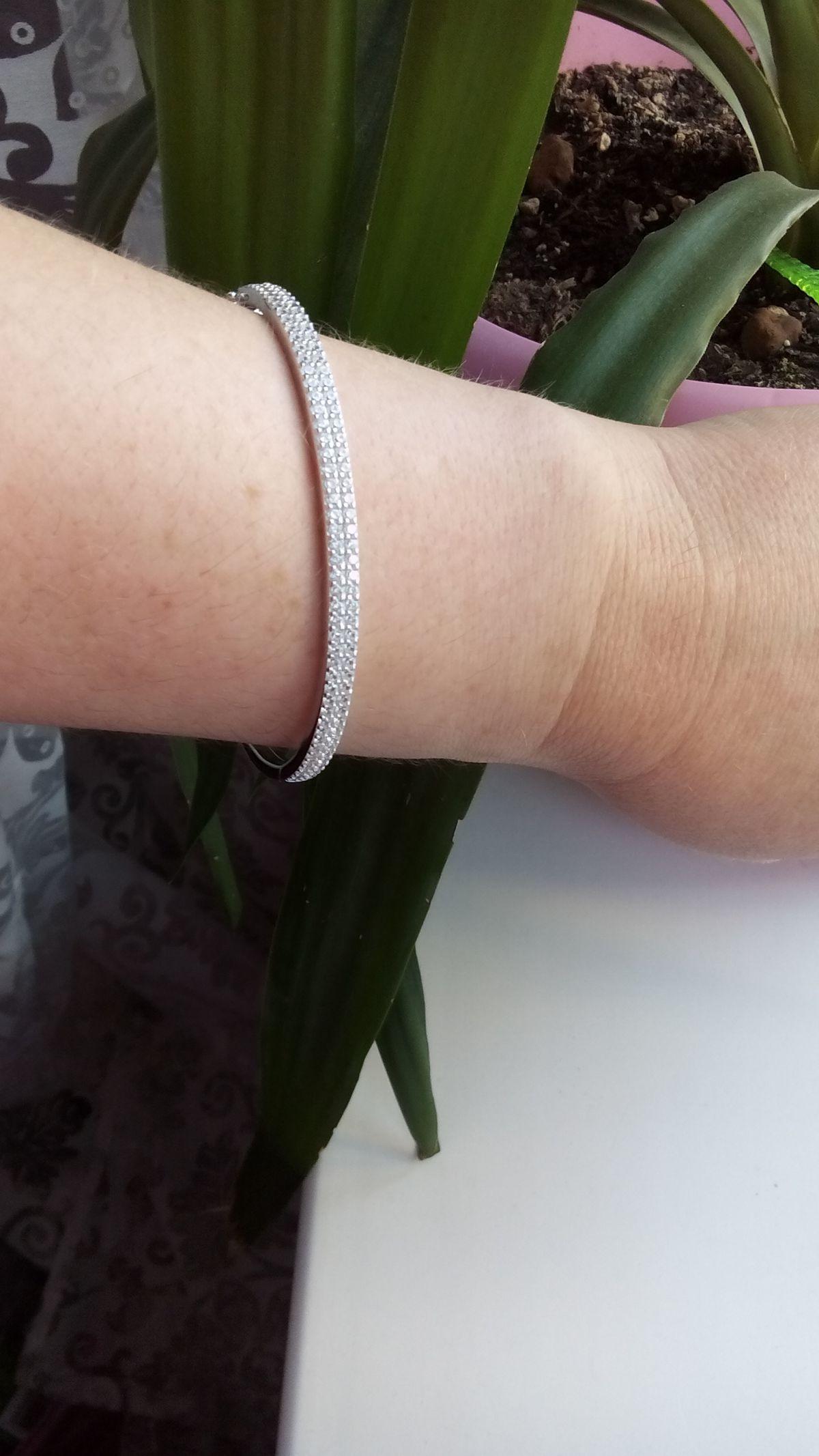 Жесткий серебряный браслет